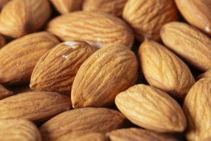 ビタミンCは加齢臭対策もできるおやつとして、常備しておきましょう