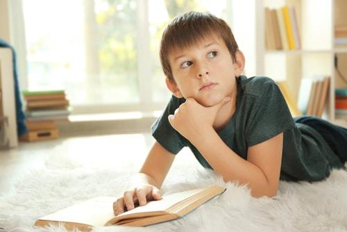 少年 読書