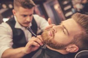 男性 ヒゲ剃り