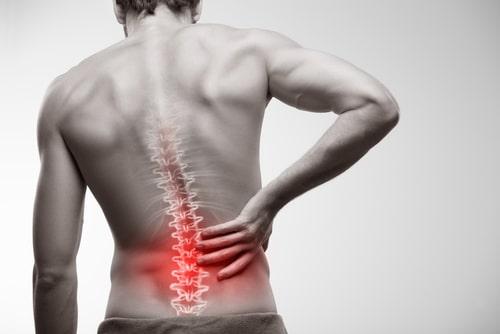 腰痛の男性